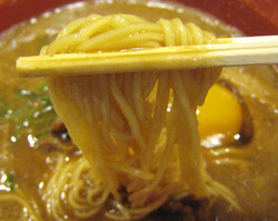 徳島ラーメンの細麺