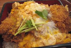 大戸屋 北海道産昆布風味の熟成豚ロースかつ重
