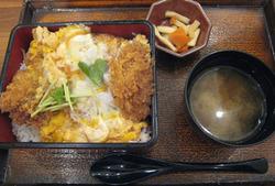 大戸屋の北海道産昆布風味の熟成豚ロースかつ重