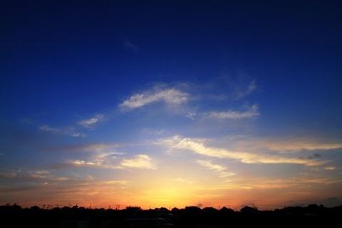 空 夕暮れ前