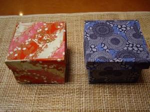 赤と青のふたつき小箱