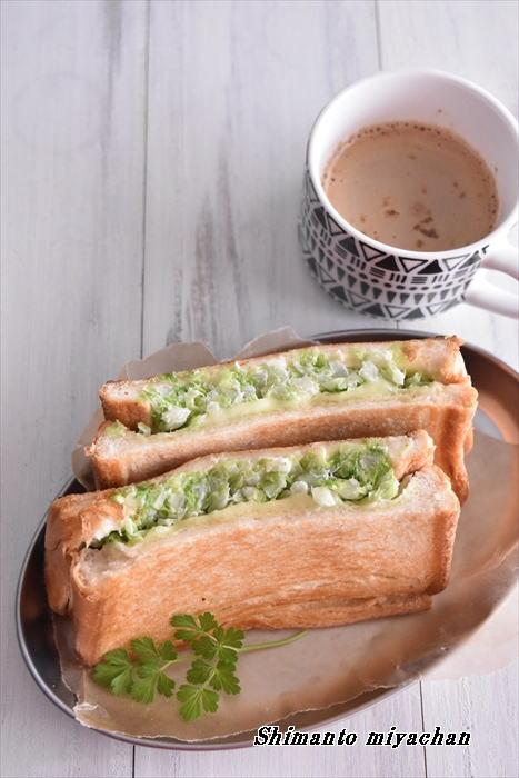 フライパンで簡単♪たっぷり白菜のホットサンド