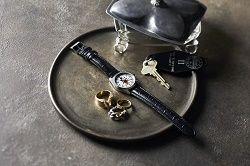 ミッキーマウス 大人の腕時計