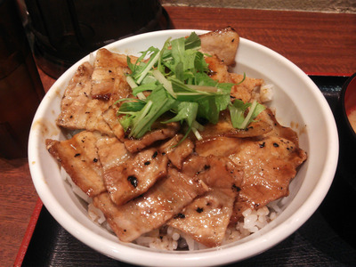 甘辛なタレがうまい帯広豚丼