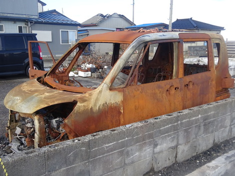 糸魚川錆びた自動車
