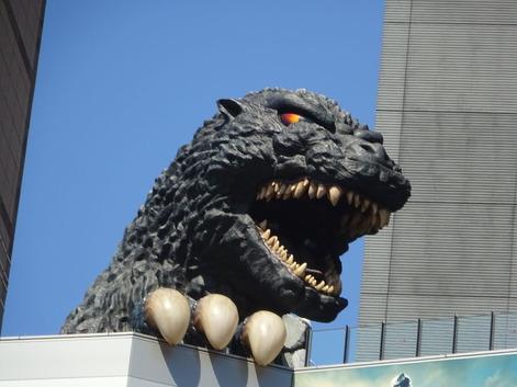 歌舞伎町ゴジラ180317
