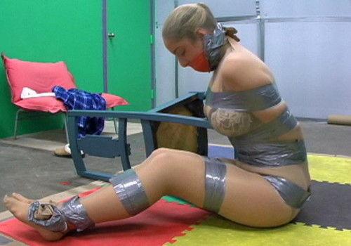 SMプレイで雑な扱いをされる女性をご覧くださいwwwwwwwwwwwwww