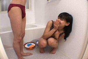 素人娘にチンポ洗ってくださいとお願いしてみたら!恥ずかしがりながらも泡手コキ!