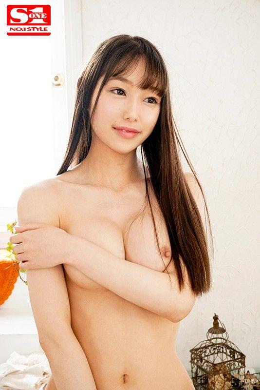 関西弁の22歳美女  新名あみんがS1からAVデビュー!