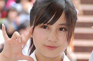 小野恵令奈 エロ水着画像!元AKBの巨乳おっぱいがエロすぎる!