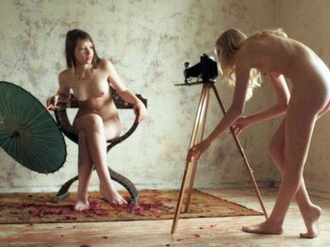 【画期的】撮影する側が「全裸」になるヌードフォトグラマーとかいう人たちwwwwww
