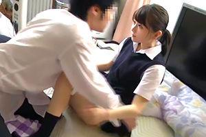 【近親相姦】毎朝家事に追われる忙しいJKが家族の性処理をする風景