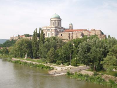マリア・ヴァレリア橋より大聖堂を眺める