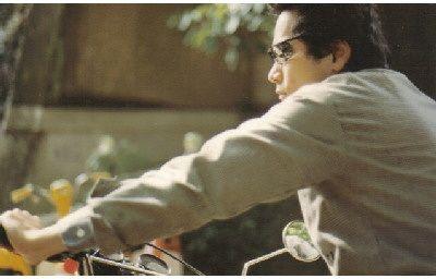 信バイクに乗る
