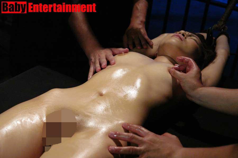 拷問 全裸 女体
