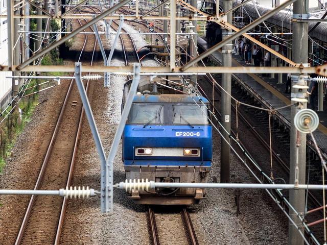 EF200-6貨物02