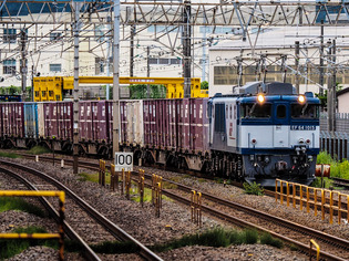 EF64 1015貨物01