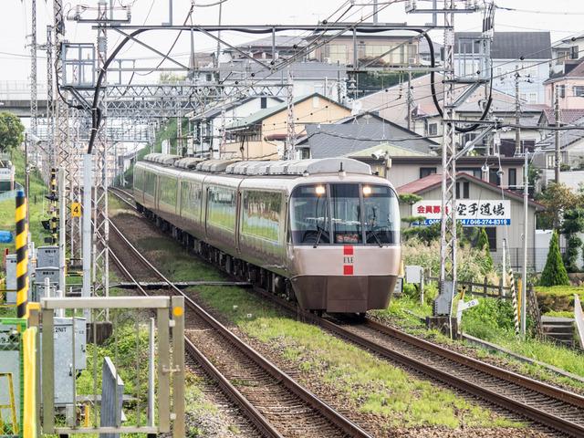 小田急EXE01