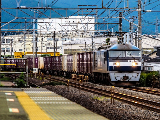 EF210-121貨物02