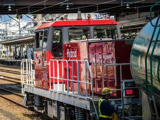 ハイブリッド機関車03