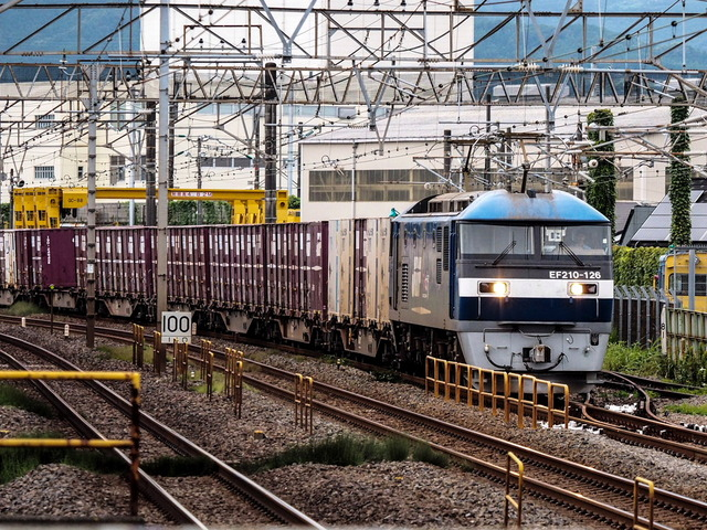 EF210-126貨物01