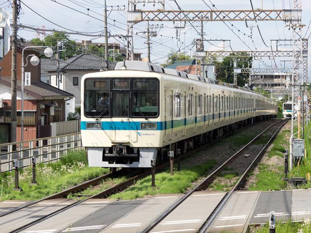 伊勢原駅4