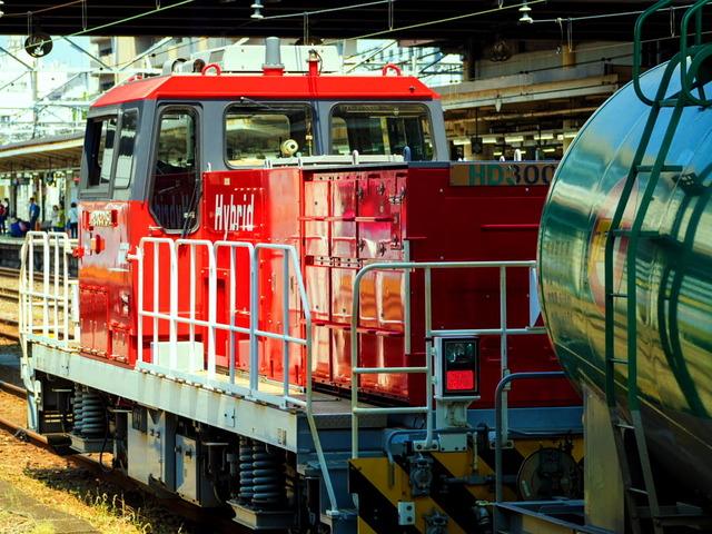 ハイブリッド機関車01