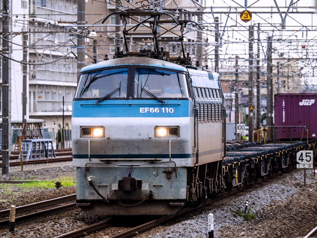 EF66 110貨物03