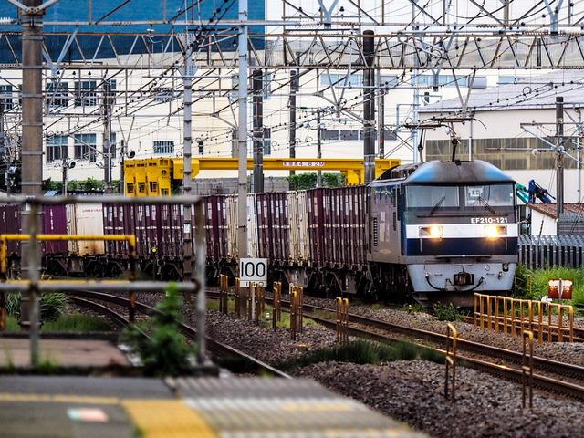 EF210-121貨物01