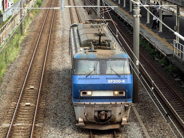 EF200-6貨物01