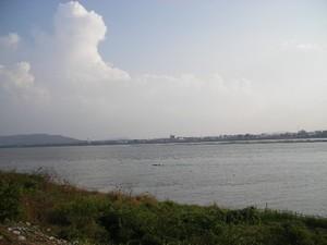 メコン川昼