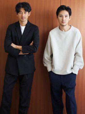瑛太さんと松田龍平さんのツーショットですね。 このお二人のツーショットということは、まほろ駅前多田便利軒ですかね。  ほかにも色々と共演され仲がいいみたいです