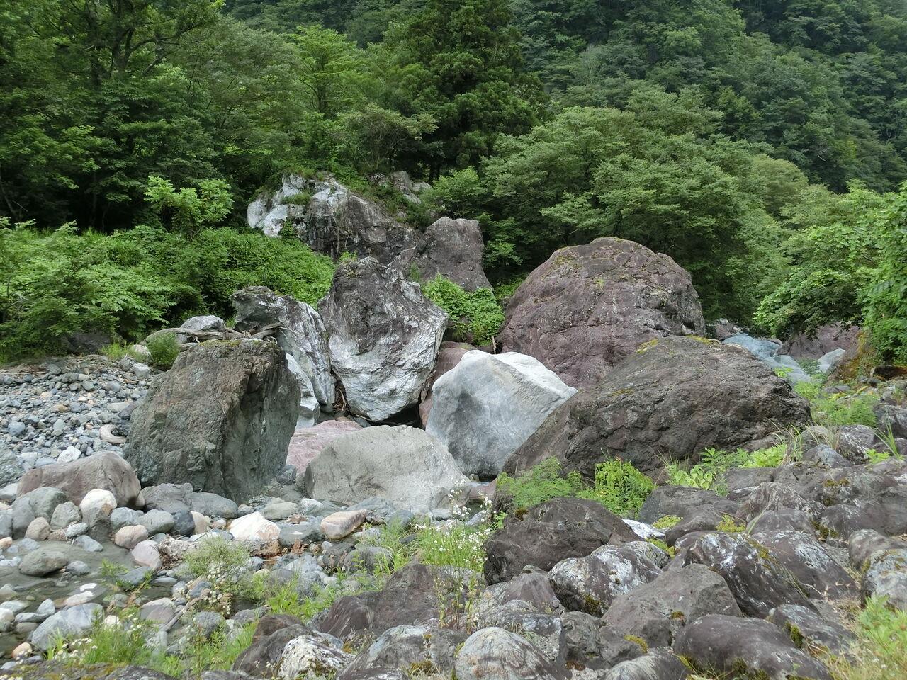 ヒスイ原石
