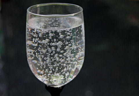 water-glass-2686973_1280