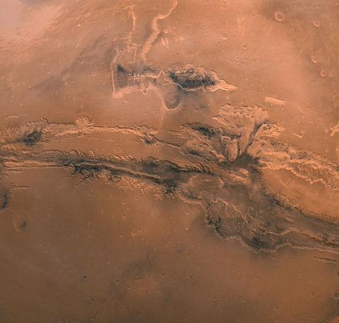 mars-globe-valles-marineris-enhanced-detail