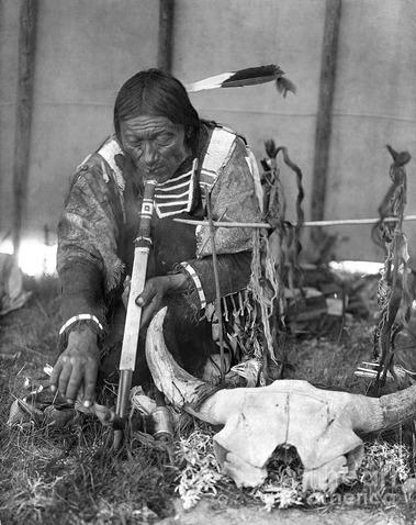 sioux-medicine-man-c1907-granger