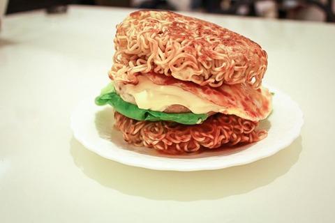instant-noodle-burger-hack-500