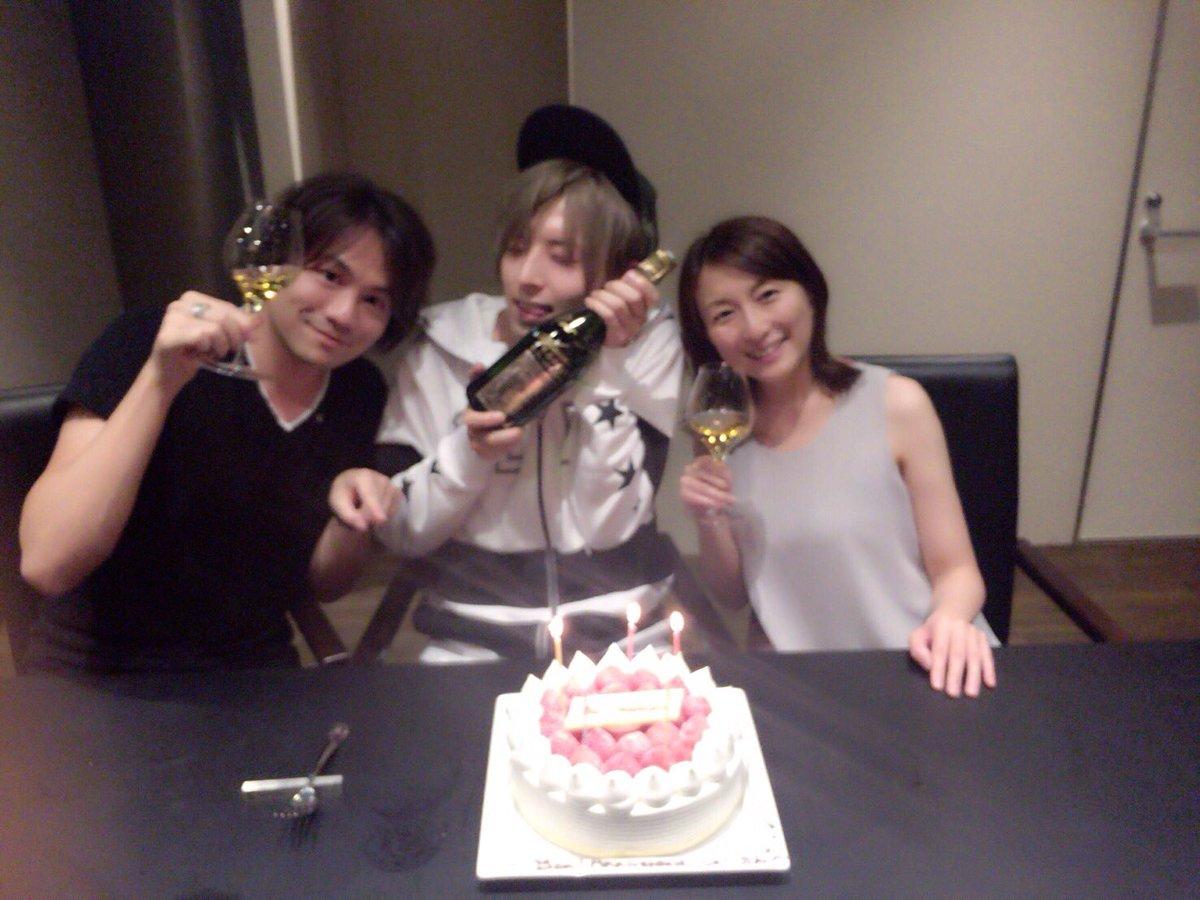 シャイン速報局(アニメ声優まとめ)昨日は、久しぶりに上松範康さんと佐藤ひろ美さんとお食事でした...コメントする