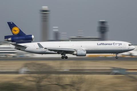 Lufthansa Cargo:McDonnell Douglas MD-11F(D-ALCN)-9521