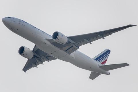 Air France:Boeing 777-F28(F-GUOC)-7104