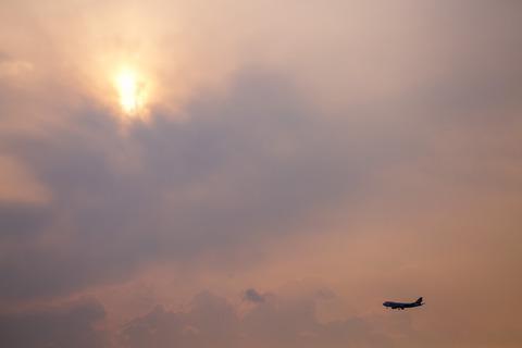 Singapore Airlines Cargo:Boeing 747-412F(SCD)(9V-SFP)-7665