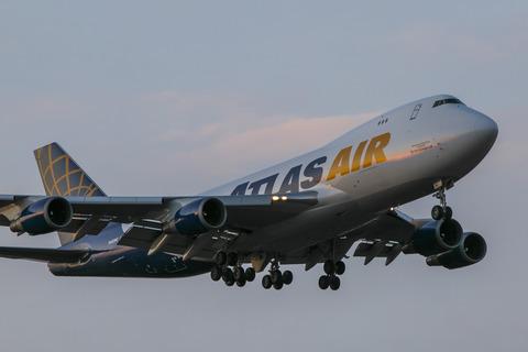 Atlas Air:Boeing 747-47UF:SCD(N492MC)-9260