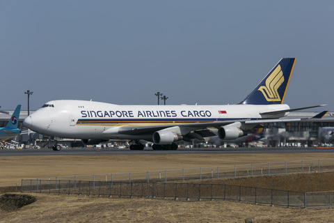Singapore Airlines Cargo:Boeing 747-412F:SCD(9V-SFO)-0864