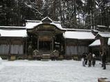 諏訪大社上社本宮拝殿です。