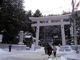 諏訪大社上社本宮鳥居です。