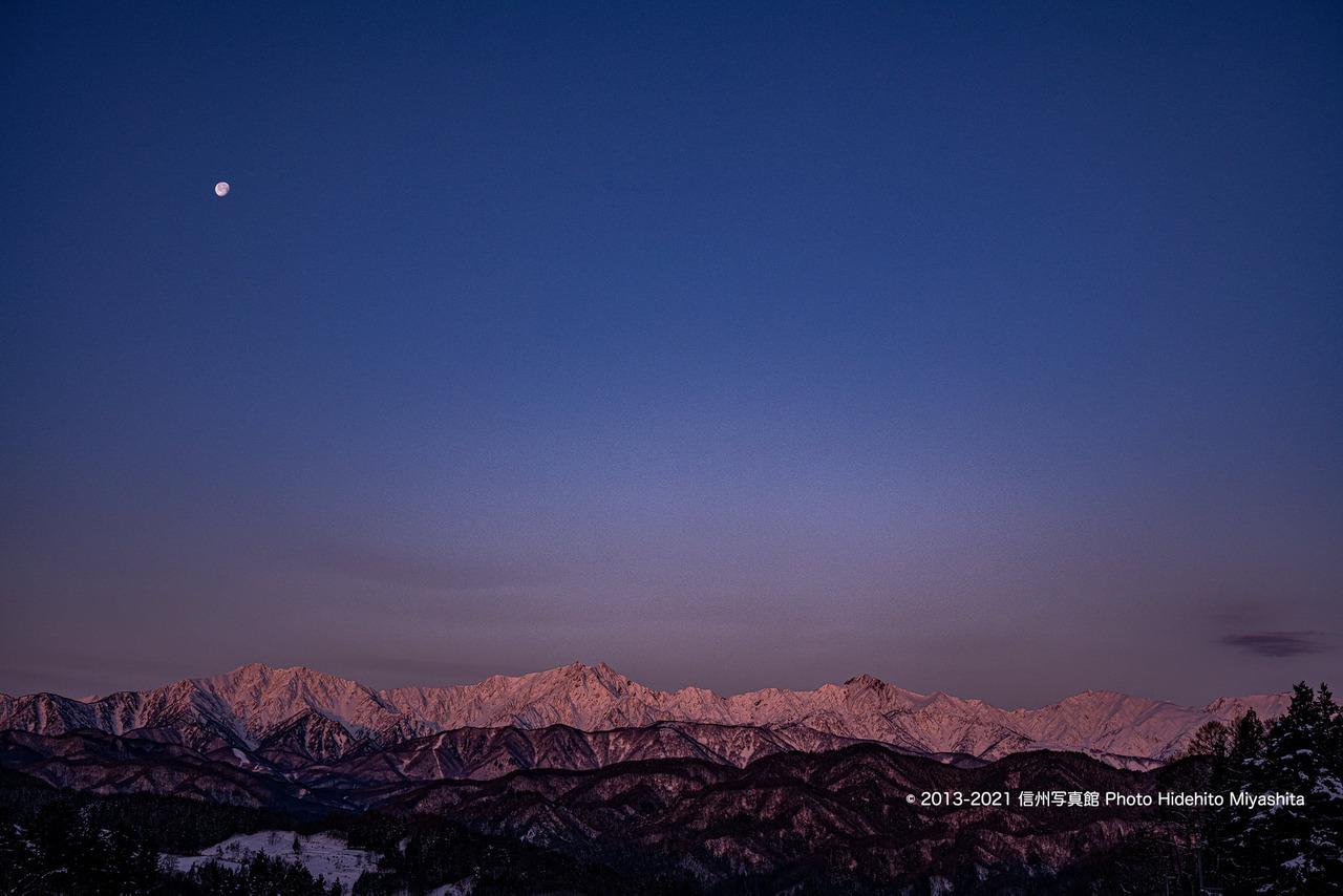 モルゲンロートと月