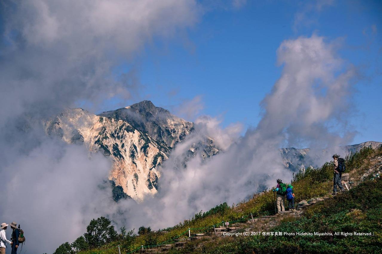 雲間の白馬岳