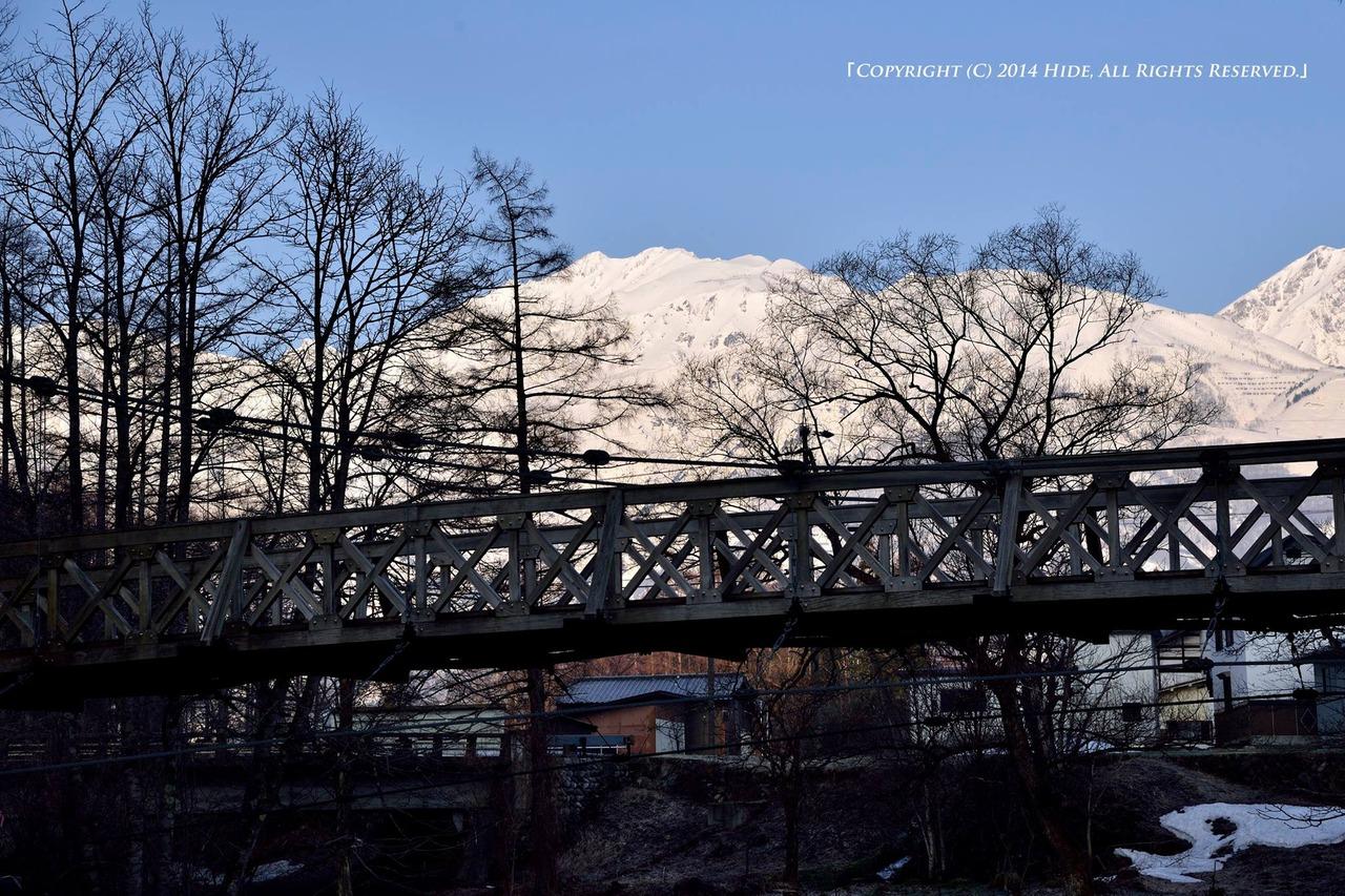 大出の吊橋と唐松岳