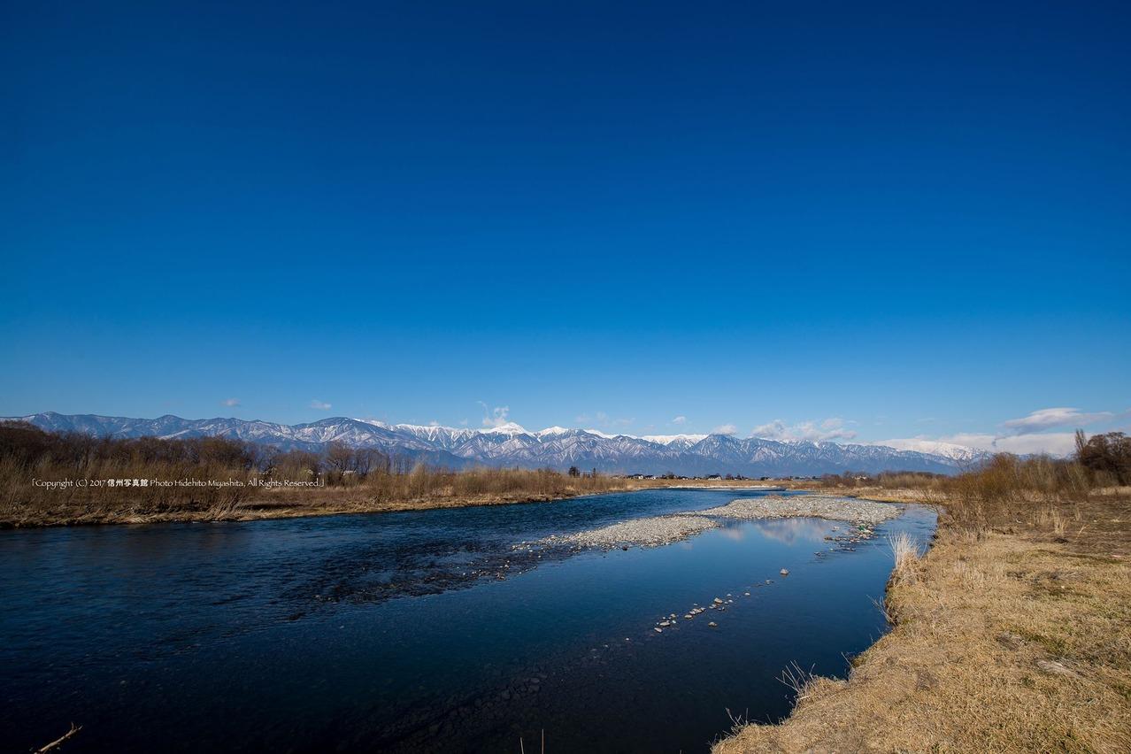 常念山脈と犀川