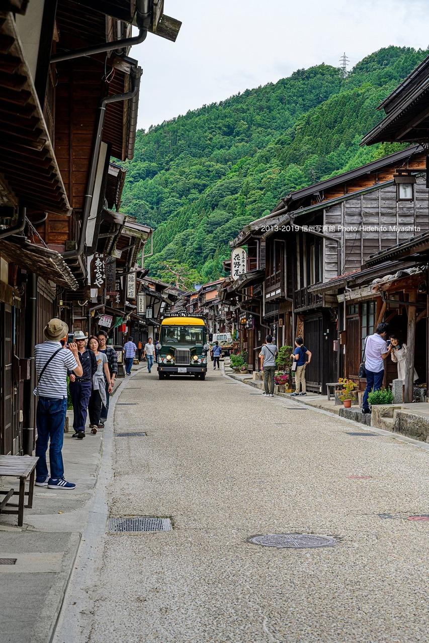 奈良井宿を行く
